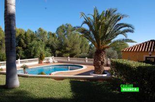 19479-piscina-desde-casa-chalet-valencia