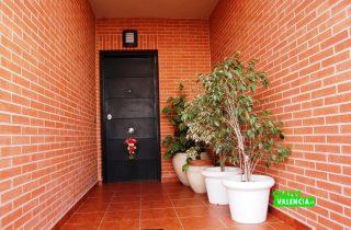 20063-entrada-puerta-chalet-valencia