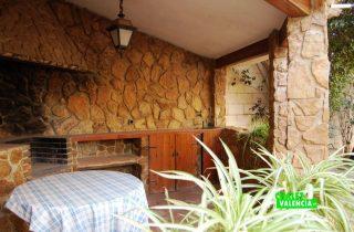 20268-godella-pueblo-exterior-paellero-4-chalet-valencia