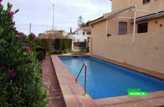 20268-godella-pueblo-exterior-piscina-3-chalet-valencia