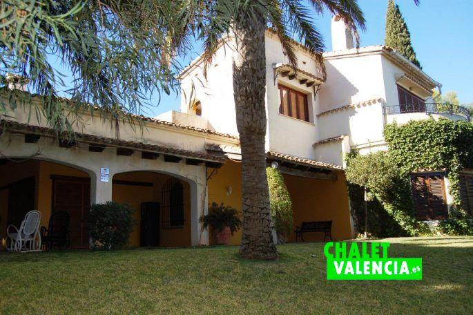 Mansi n con 20000m2 en la conarda b tera chalet valencia - Casas en betera ...