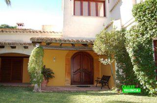 20359-jardin-puerta-casa-betera-chalet-valencia