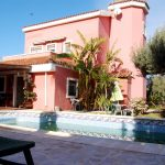 Villa with pool in urbanization La Sima
