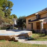 Villa with pool next to Metro Montesol LEliana