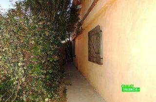 20910-exterior-fachada-2-godelleta-chalet-valencia