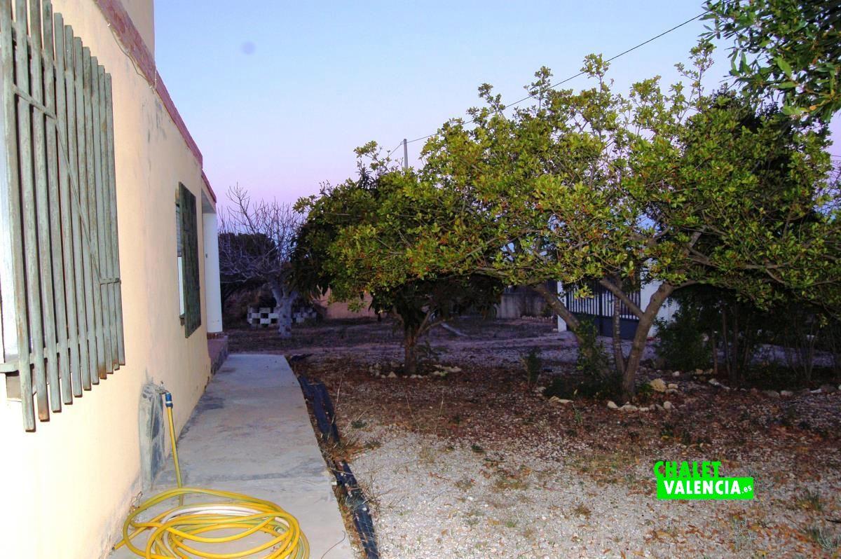 20910-exterior-fachada-3-godelleta-chalet-valencia