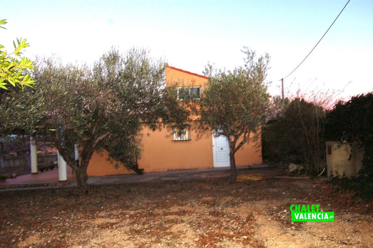 20910-exterior-fachada-lateral-godelleta-chalet-valencia