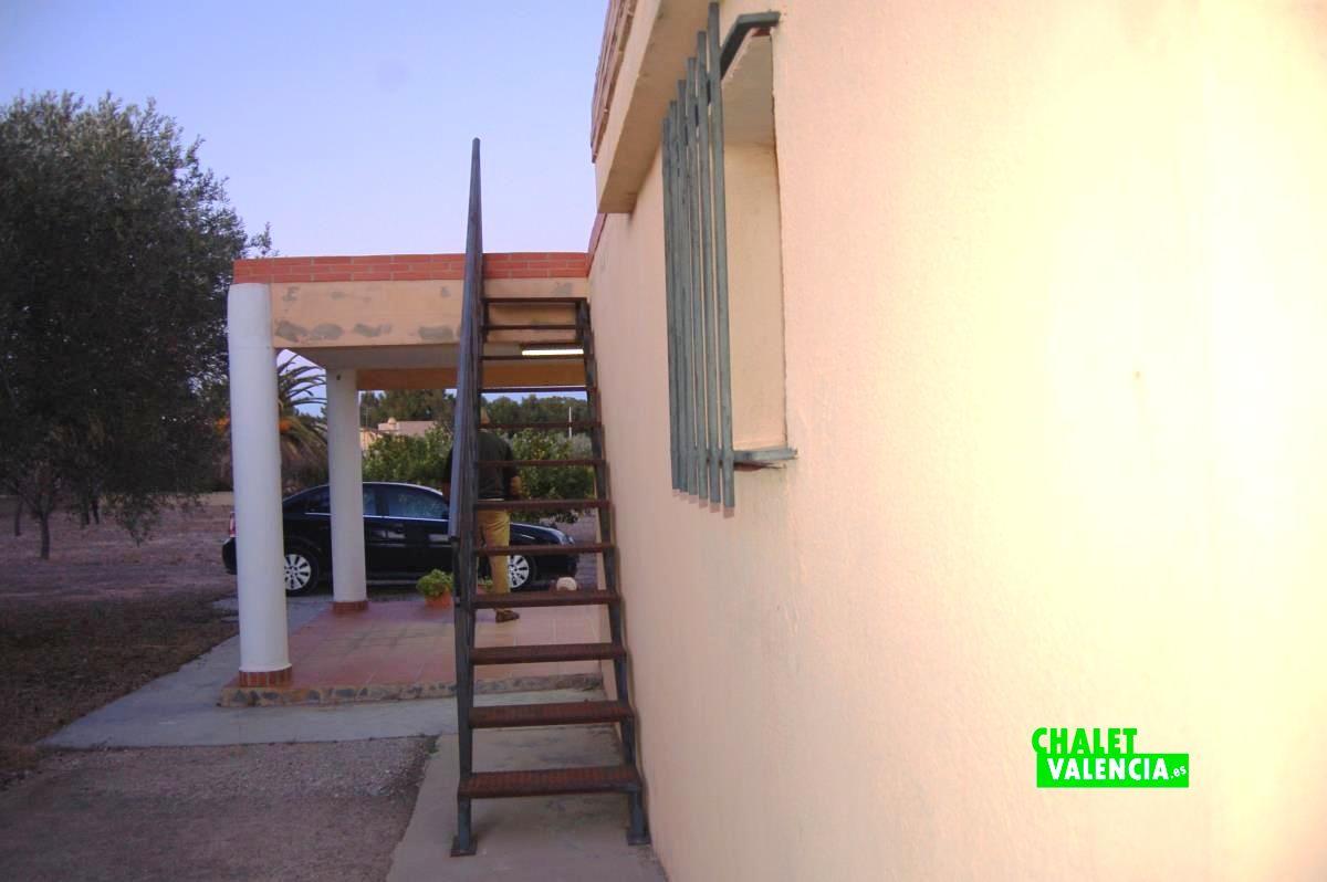 20910-exterior-terraza-superior-godelleta-chalet-valencia