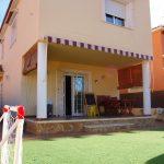 Villa with garage attached to the house in Maravisa La Pobla