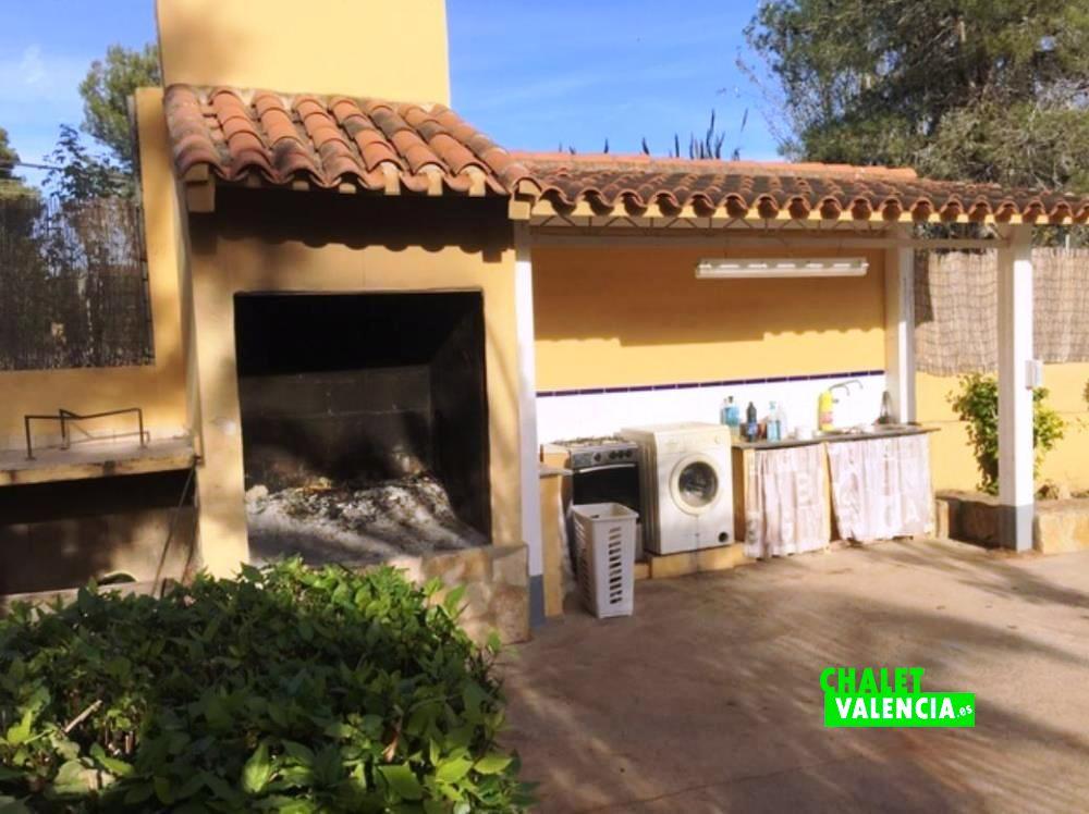 Villa urbanisation los lagos de alginet chalet valencia for Piscina cubierta lliria