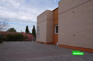 21935-zona-lateral-garaje-chalet-valencia