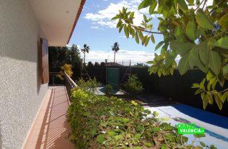 22014-piscina-vista-terraza-chalet-valencia