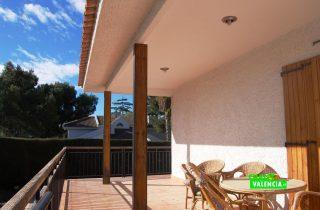 22014-terraza-piscina-tenis-chalet-valencia