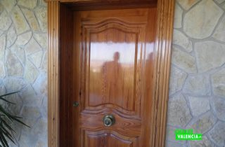 22077-entrada-principal-chalet-valencia