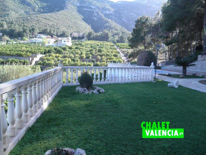 Chalet con vistas al mar de cullera valencia chalet valencia for Piscina jardin valencia