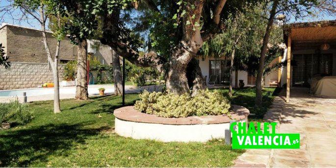 Jardín mediterráneo chalet El Carmen La Eliana