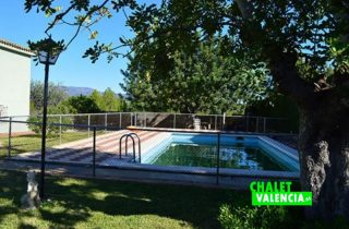 exterior-piscina-2-la-pobla-chalet-valencia