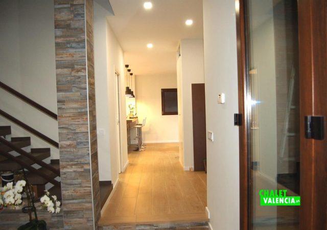 22371-entrada-pasillo-montepilar-chalet-valencia