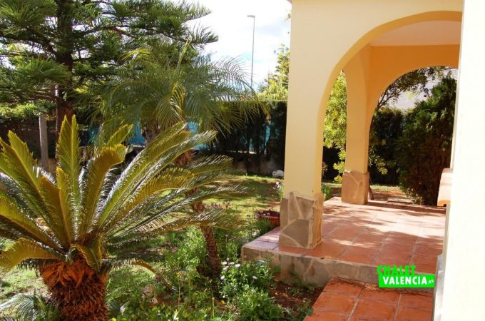 22705-entrada-terraza-colinas-san-antonio-chalet-valencia