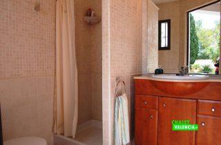 23216-bano-exterior-ducha-la-eliana-chalet-valencia