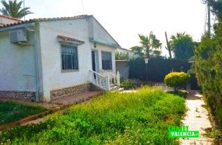 23468-entrada-jardin-chalet-valencia-montesol