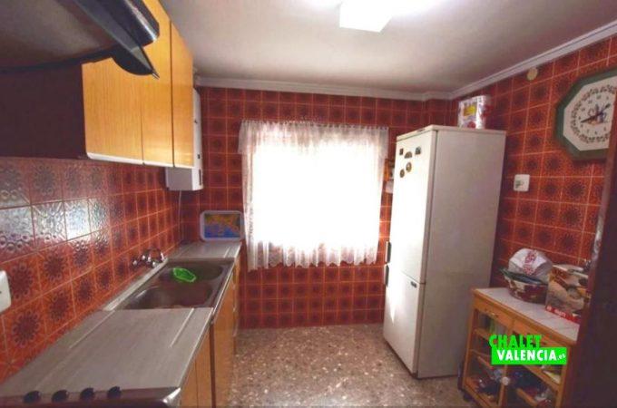 23487-cocina-lliria-chalet-valencia