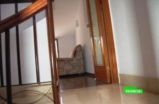 23567-atico-escaleras-caracol-la-pobla-chalet-valencia