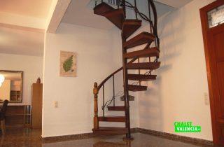 23567-escaleras-caracol-salon-la-pobla-chalet-valencia