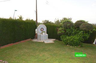 23567-exterior-detalle-jardin-la-pobla-chalet-valencia