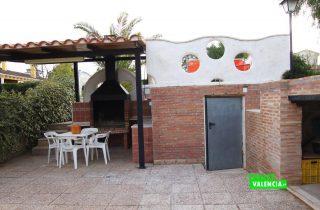 23567-exterior-piscina-paellero-la-pobla-chalet-valencia