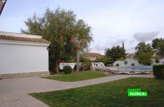 23567-piscina-desde-lateral-la-pobla-chalet-valencia