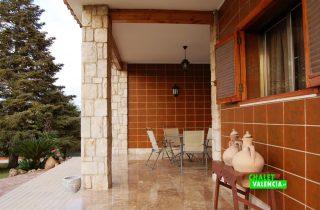 23567-terraza-entrada-la-pobla-chalet-valencia