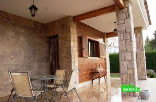 23567-terraza-principal-la-pobla-chalet-valencia