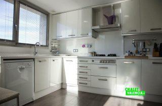 23631-cocina-moderna-torre-conill-chalet-valencia