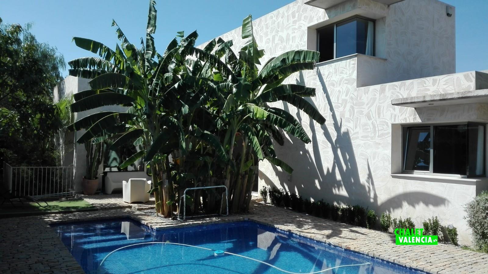 Villa de luxe moderne torre conill betera chalet valencia for Calcul chauffage piscine