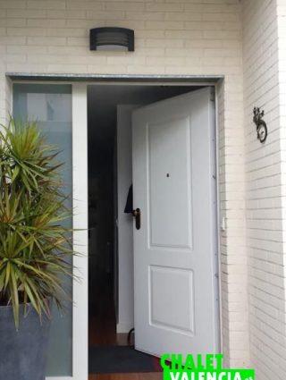 24856-entrada-casa-san-antonio-chalet-valencia