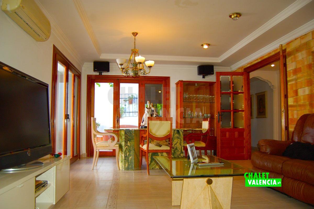 27071-salon-comedor-chimenea-chalet-valencia