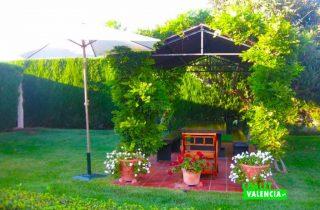 27675-jardin-cenador-2-chalet-valencia