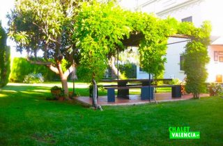 27675-jardin-cenador-chalet-valencia