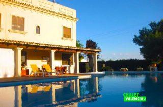 27675-piscina-solarium-chalet-valencia