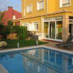 Chalet con piscina en Gallipont venta y alquiler
