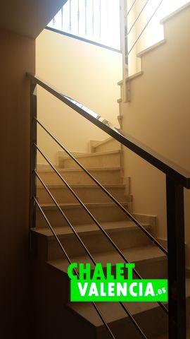28529-escaleras-chalet-valencia