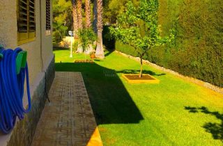 28563-jardin-lateral-chalet-valencia