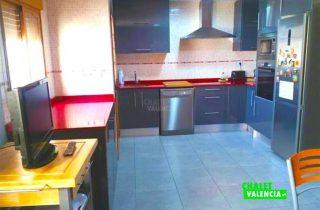 28685-cocina-grande-chalet-valencia