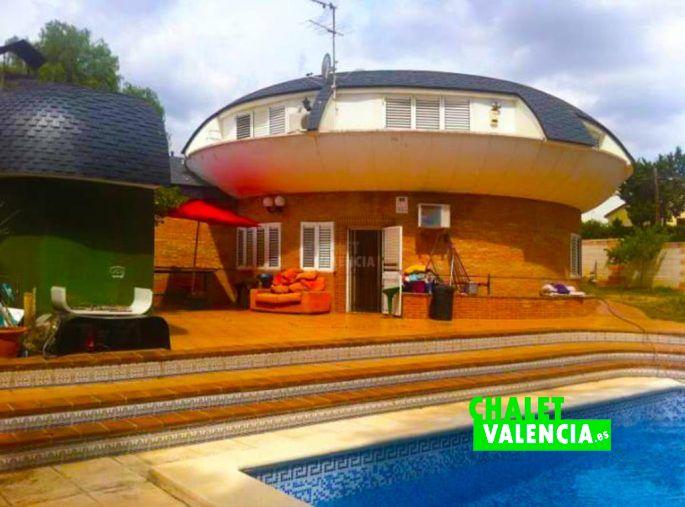 Chalet vanguardista con piscina