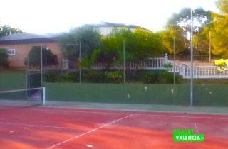 29108-vista-casa-desde-pista-tenis-chalet-valencia