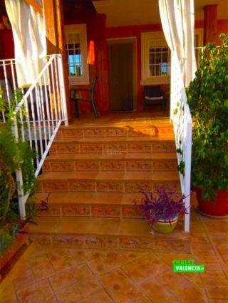 29623-entrada-escaleras-chalet-valencia