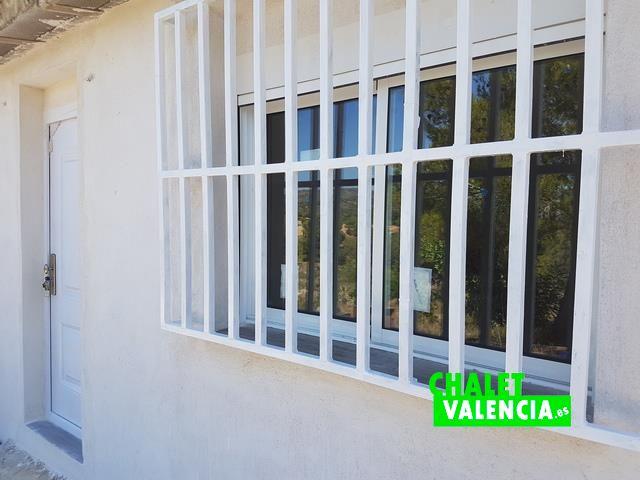 Rejas de la casa para reformar en Olocau