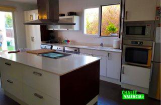 29745-cocina-isla-chalet-valencia
