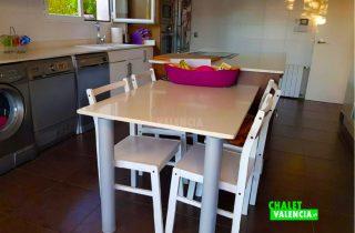 29745-cocina-mesa-chalet-valencia